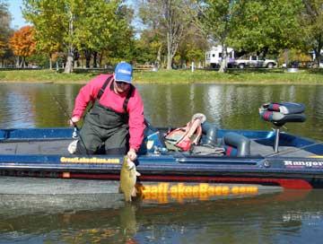 djkimmel lands a toad Mullett Lake smallmouth bass
