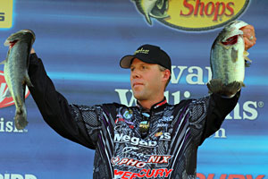 Aaron Martens moved into 2nd place in the TroKar Battle on the Bayou at the Toledo Bend Reservoir Elite Series event