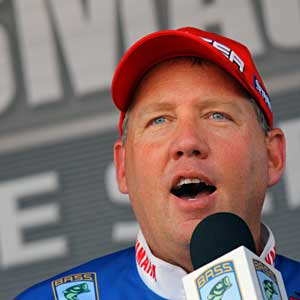 Waco Texas bass pro Alton Jones has a large lead after 5 Elite Series events in the 2011 Toyota Tundra Bassmaster Angler of the Year standings