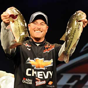 Chevy pro Bryan Thrift caught 5 bass weighing 13 pounds, 15 ounces to win $125,000 at the Walmart FLW Tour on Beaver Lake with a four-day catch of 54-8