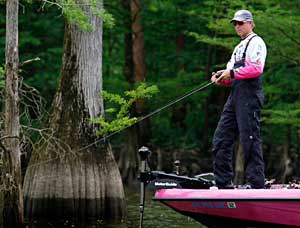 Elite angler Kevin Short is the reigning Alabama Charge Pickwick Lake champion