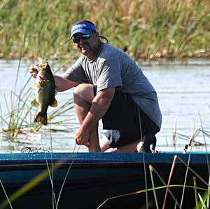 Pro angler Chad Prough continues his FLW Tour lead on Lake Okeechobee with an impressive 10 bass for 67 pounds 7 ounces