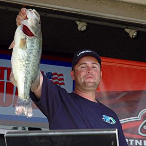 Federation angler Jason Biggs lands big bass on day one of the TBF national championship on Lake Nickajack