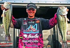 Kevin Short saved his best for last with a big 15-7 limit of bass the final day to win the Bassmaster Central Open on Table Rock Lake