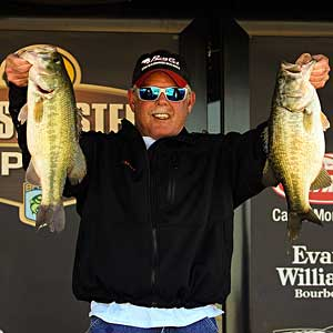 St. Louis bass pro Mark Tucker weighed in 16 pounds 10 ounces on day 1 to lead the BASS Central Open on Lewisville Lake