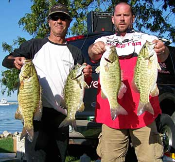 Here's sixth place finishers and co-tournament directors Terry Melvin and Ken Neeley with four of their 21.14 pounds limit that included a 6.29 pounds 3rd big bass