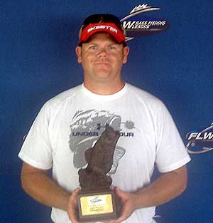 Scott Bateman of Washington Indiana caught 5 bass weighing 14 pounds 15 ounces to win the BFL Hoosier Lake Monroe tournament on August 14, 2010